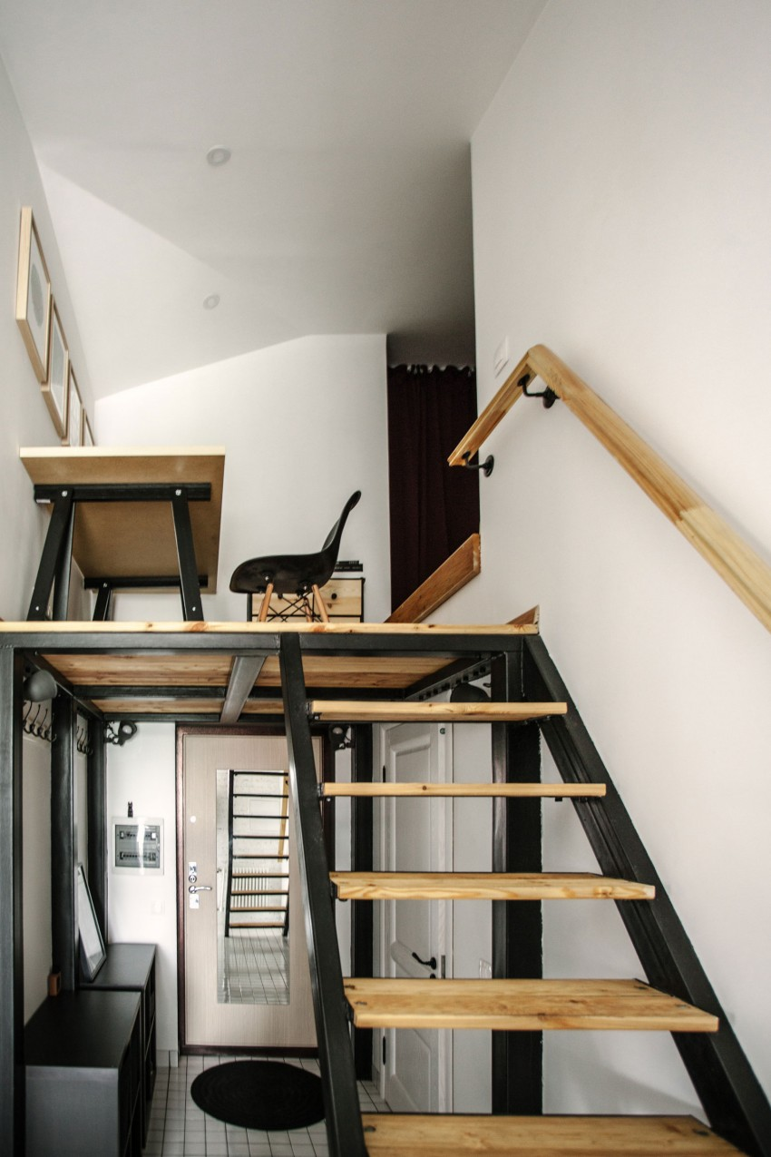 Renovated Moscow apartment buro5 mezzanine from below