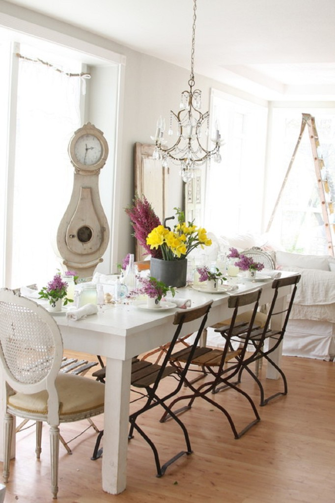 Wonderful Shabby Chic With Victorian Chandeliers