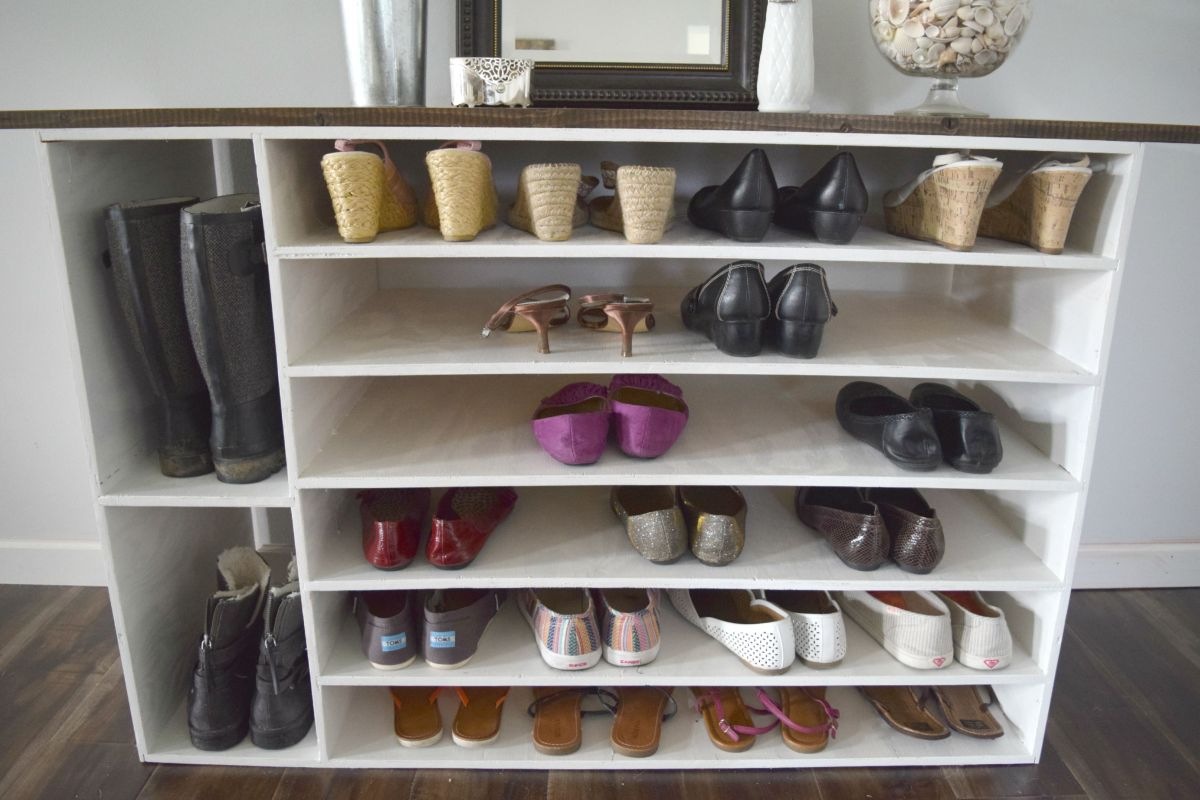 Stylish diy shoe rack perfect for any room shelves for shoe rack view in gallery entryway diy shoe rack solutioingenieria Image collections