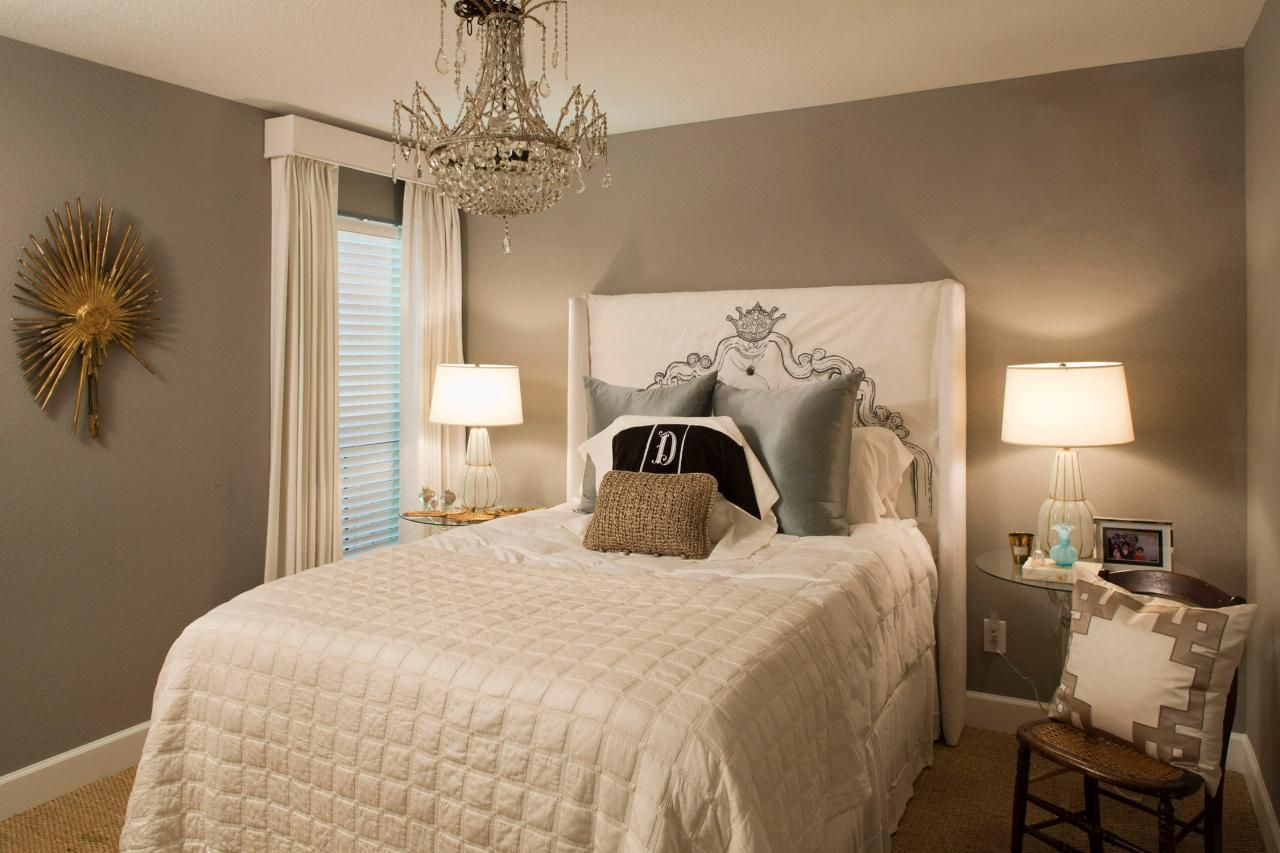 Small bedroom with taupe color design