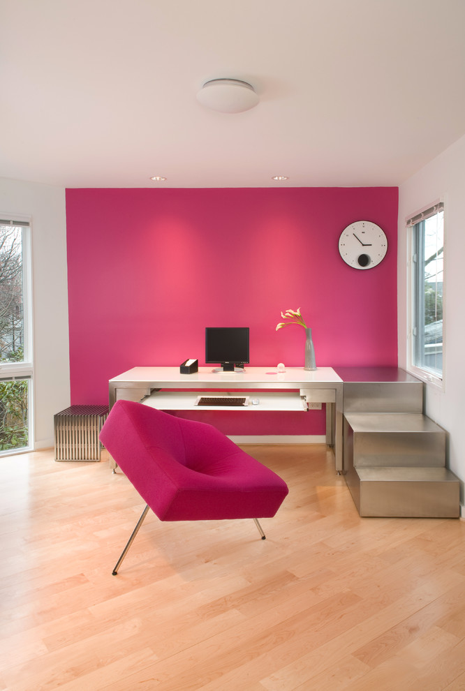 Fuchsia Office Decor