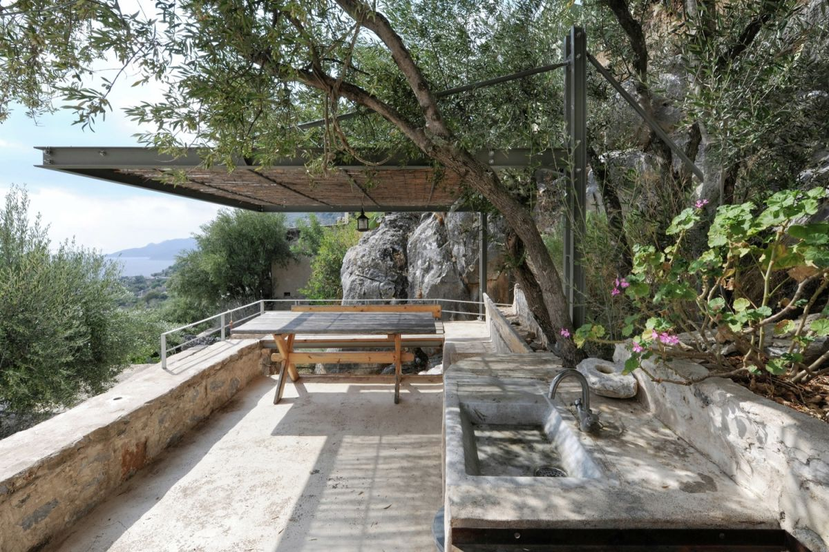tower holiday house in Greece outdoor social area
