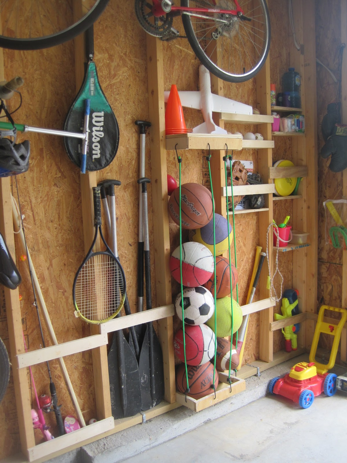 Ball storage system with cords