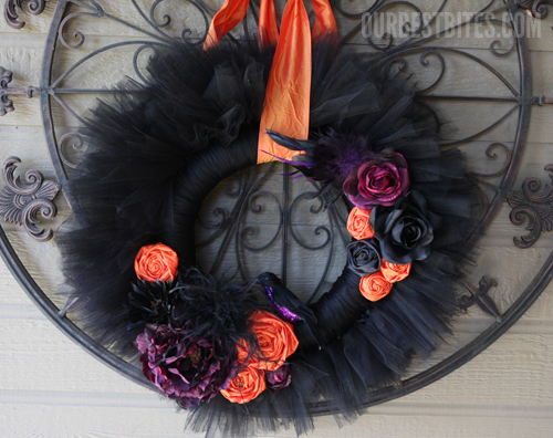 Black tulle wreath for halloween