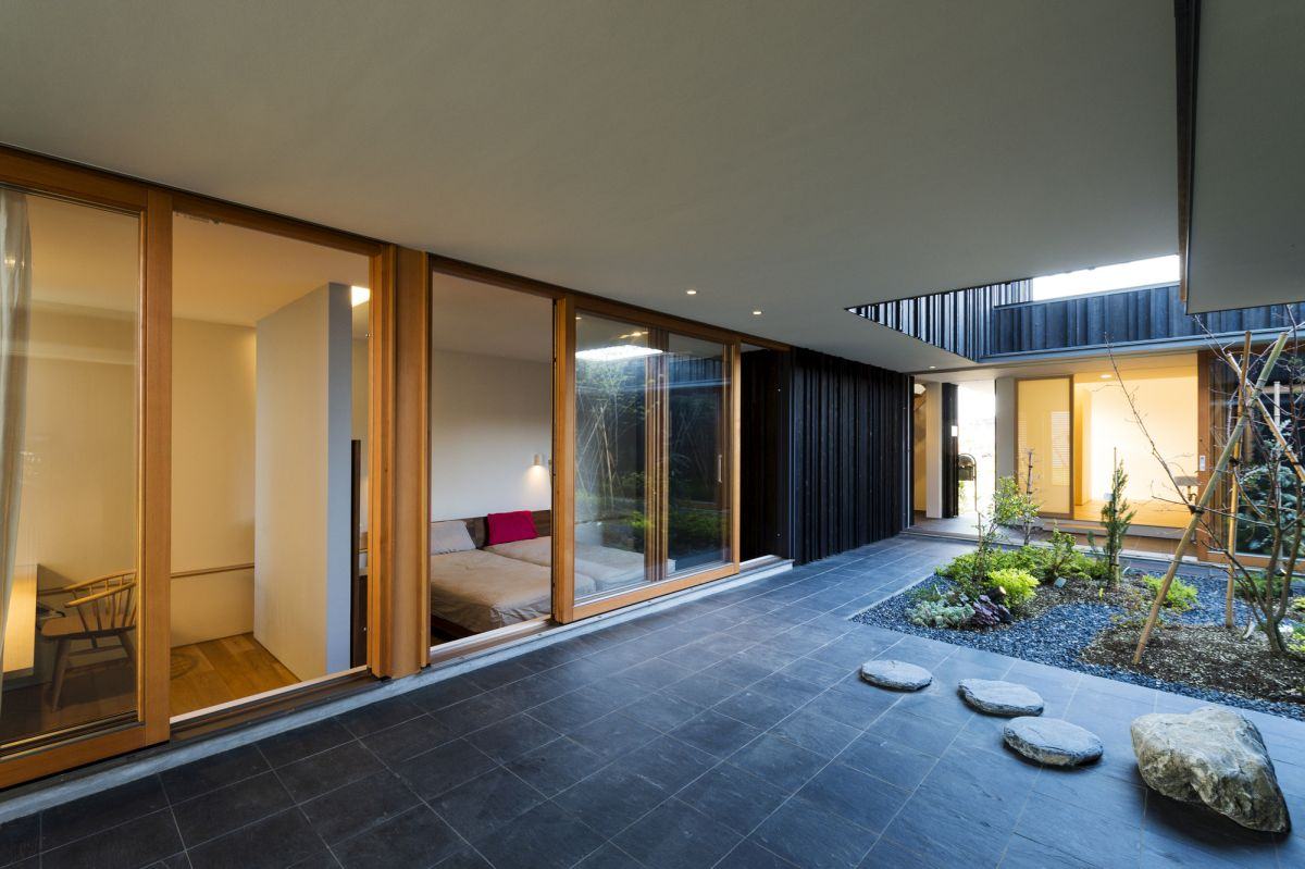 Courtyard house in peach garden interior