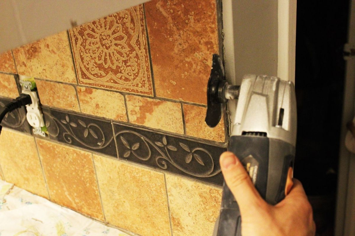 To remove a kitchen tile backsplash cut along the side dailygadgetfo Choice Image
