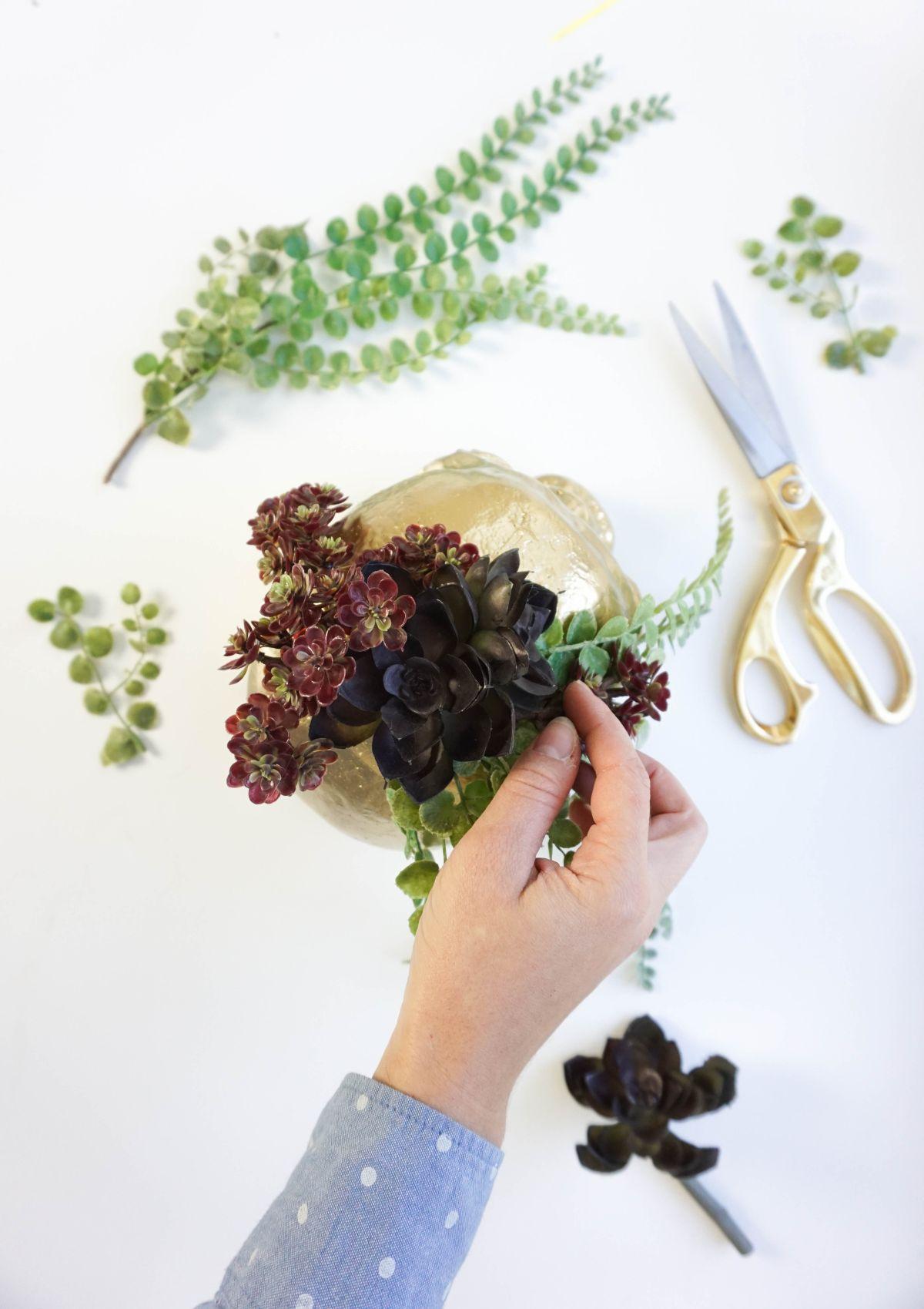 DIY Gilded Skull Vase - Arrange Plants