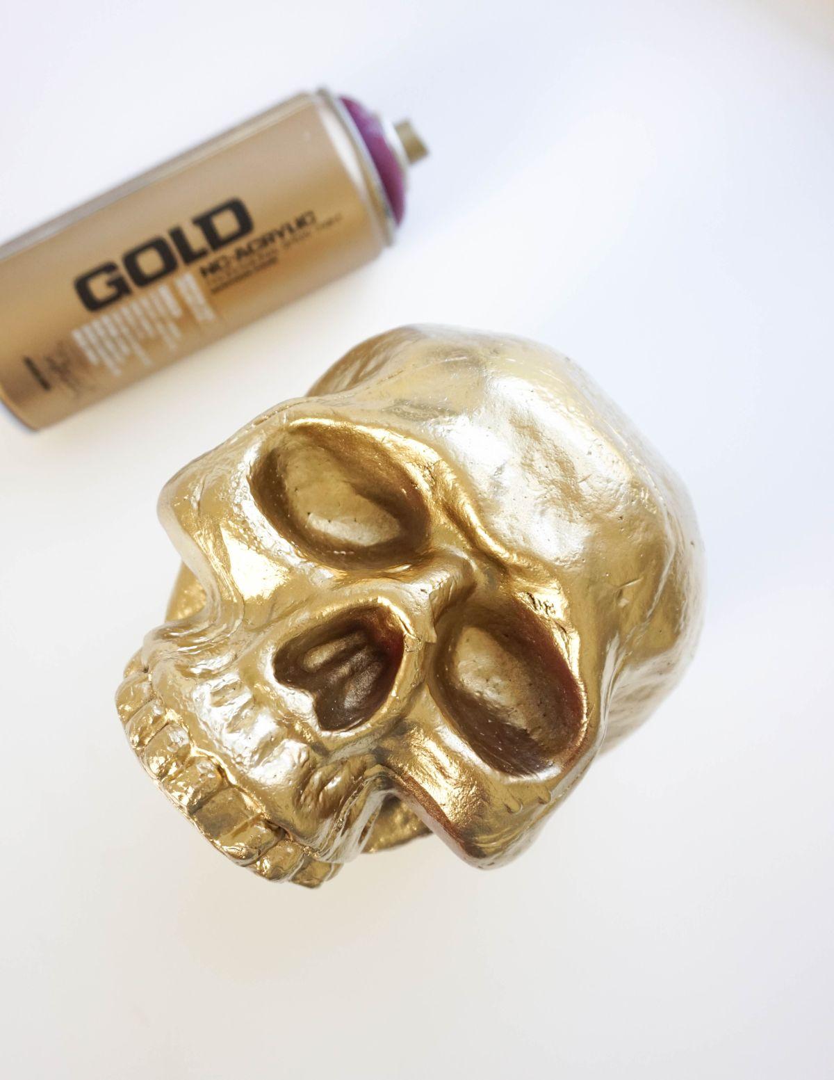 DIY Gilded Skull Vase - Spray Paint