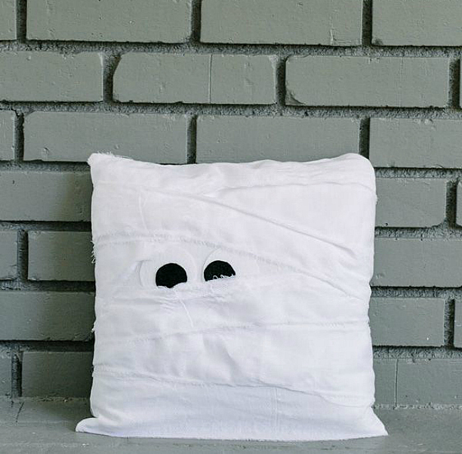 DIY Mummy pillow