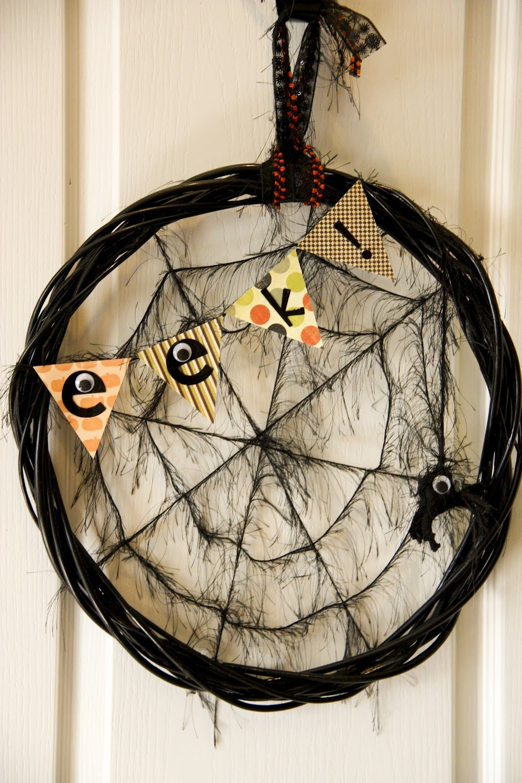 EEk Halloween Wreath DIY