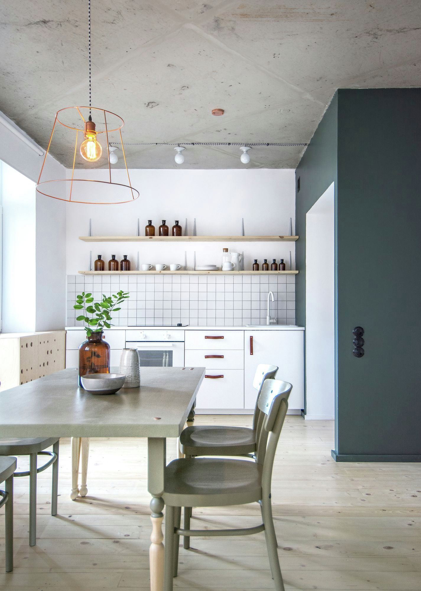 Eclectic apartment in St. Petersburg kitchen and dining
