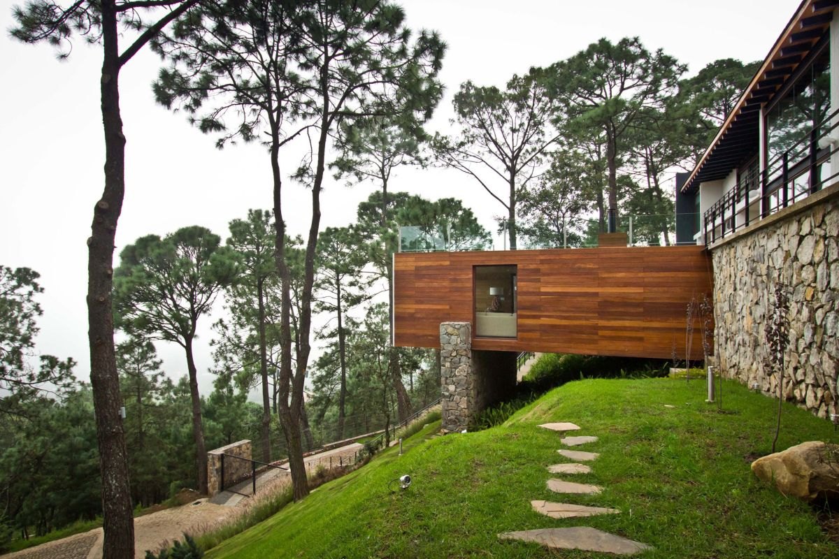 15 hillside homes that know how to embrace the landscape for The view house