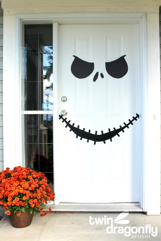 Front door skeleton face design