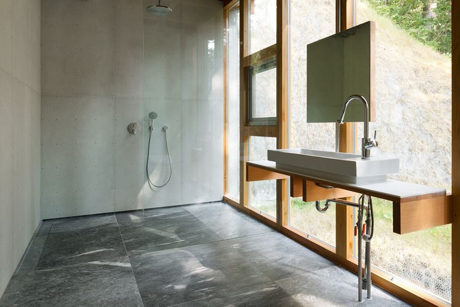 The Defining Characteristics Of Modern Walk-in Showers