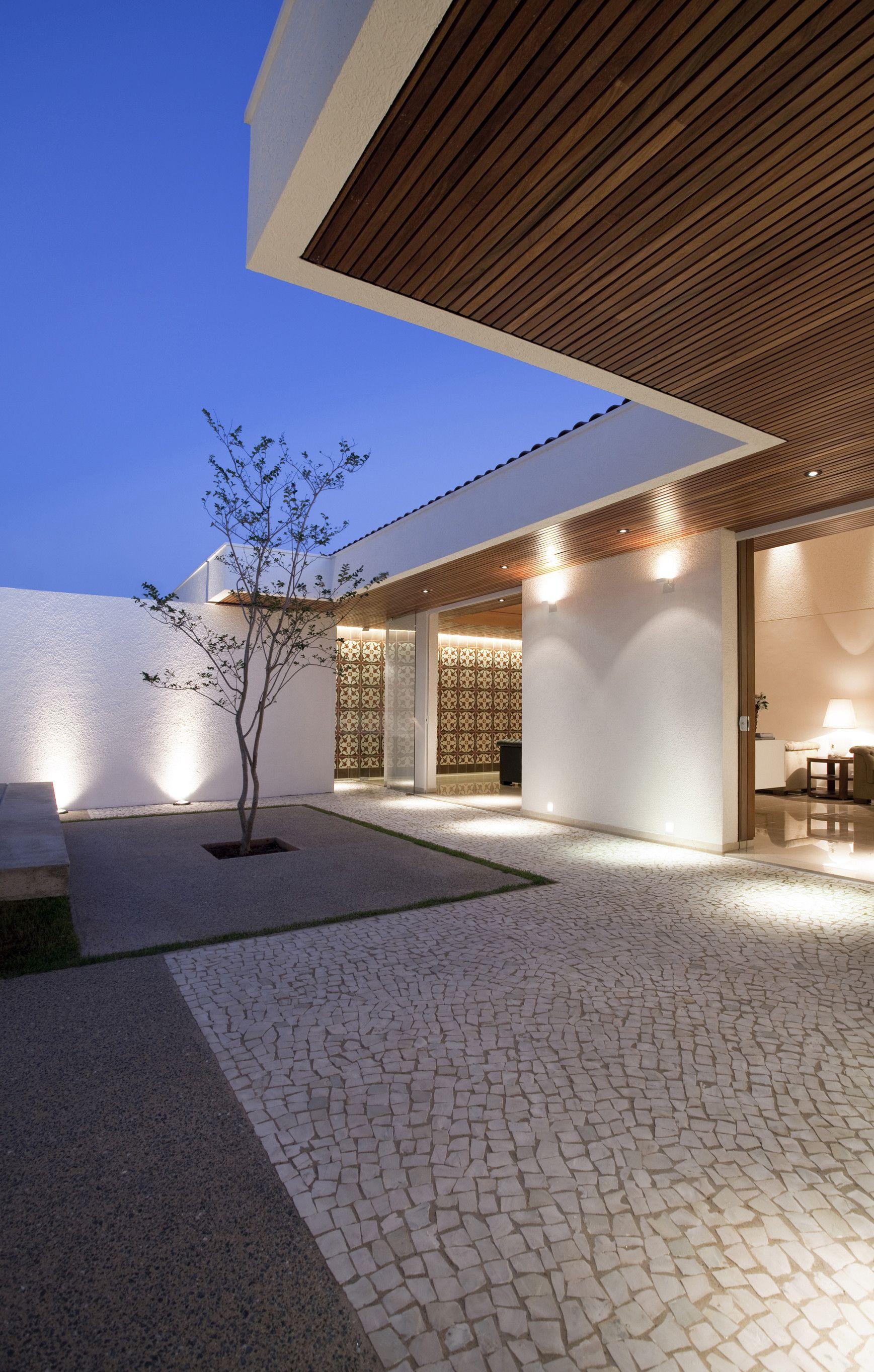 Gedda House by Mustafá Bucar Arquitetura