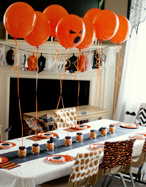 Halloween party table decor