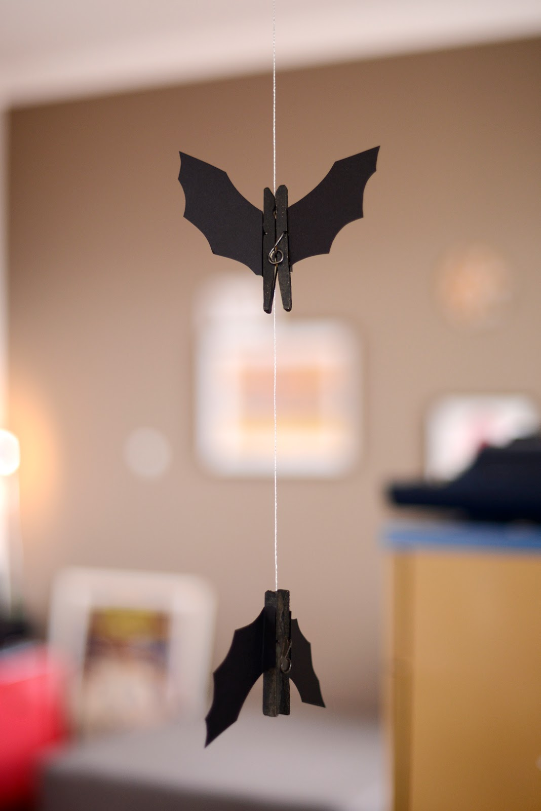 Hanging clothespin bat for halloween
