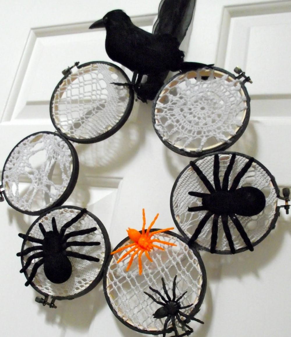 Lace spider halloween wreath