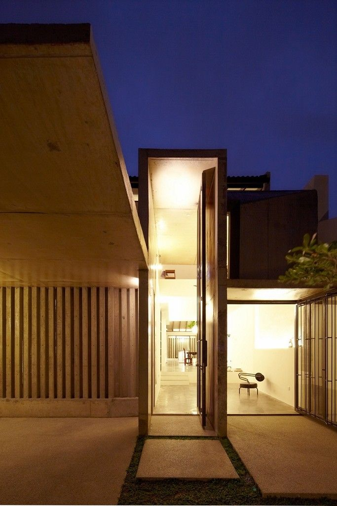 Le Mon House by Fabian Tan