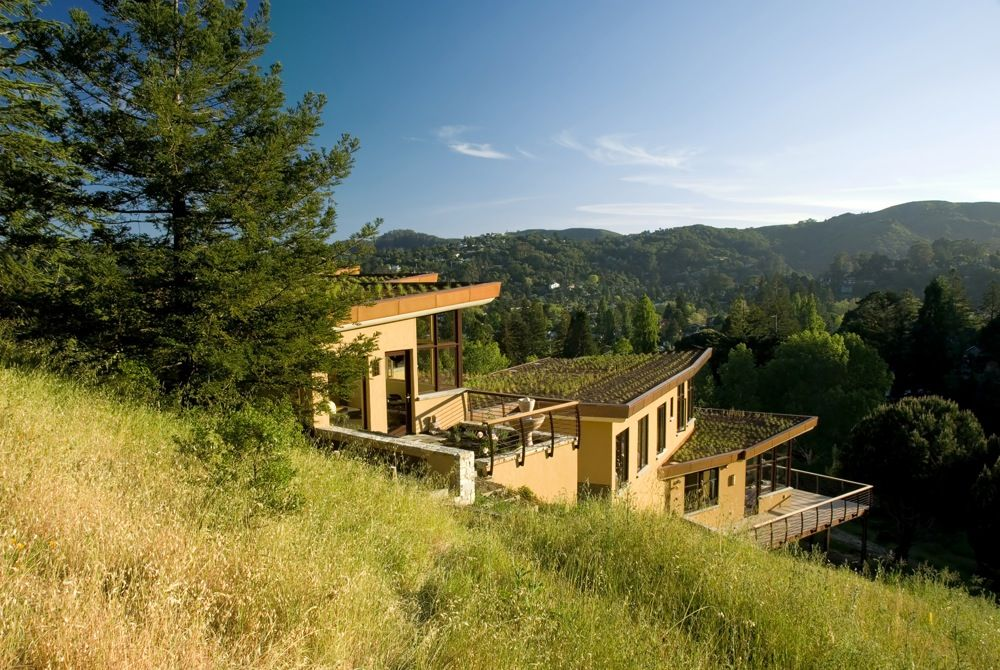 Modern Hillside Homes 15 hillside homes that know how to embrace the landscape