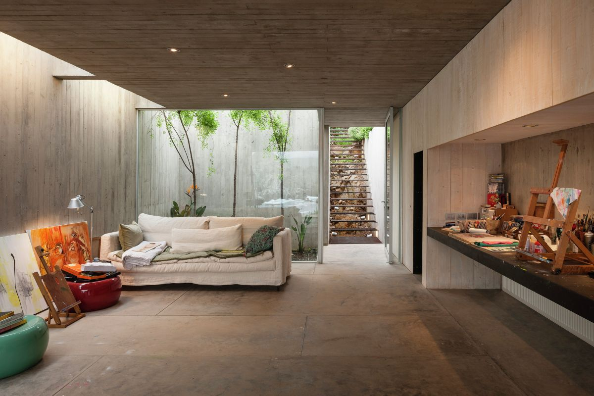 Painting Studio in Bahia Azul Relaxing Sofa