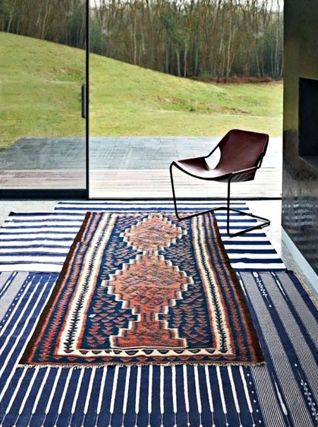 Perpendicular striped rugs