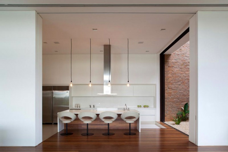 Quinta da Baronesa house kitchen white and simple design