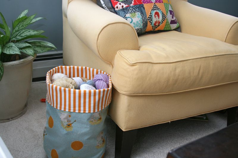 Round bottom fabric storage bucket