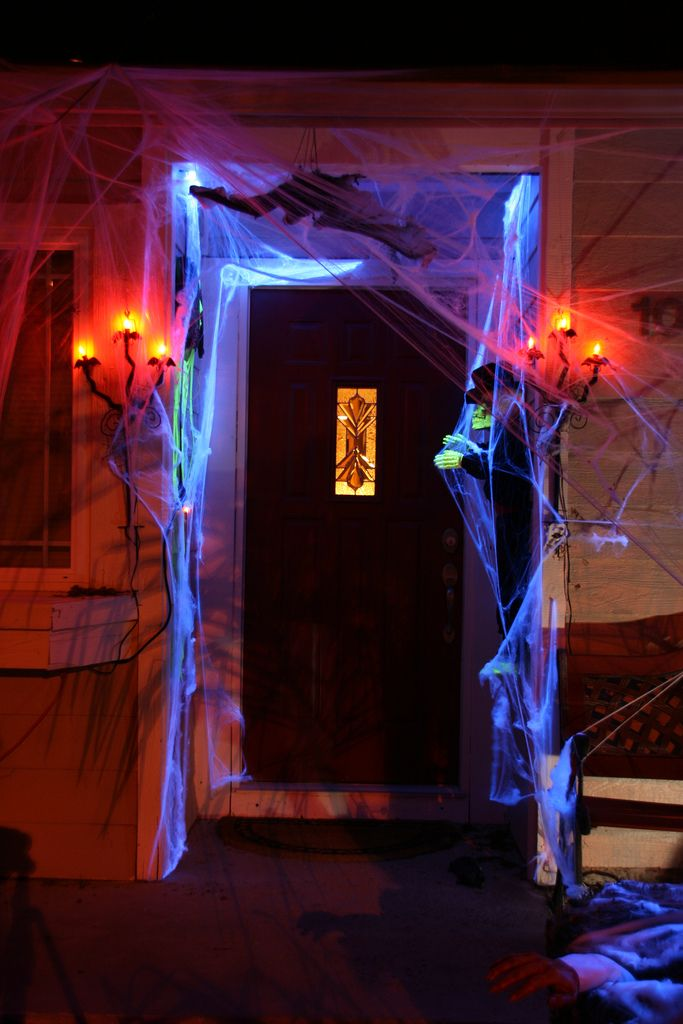 15 haunted halloween decor ideas for your front porch - When To Decorate For Halloween