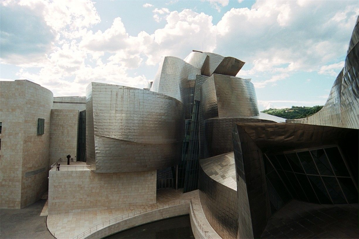 The Guggenheim Museum Bilbao Architecture