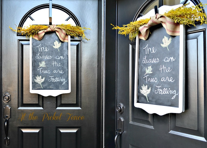 The chalkboard wreath for front door