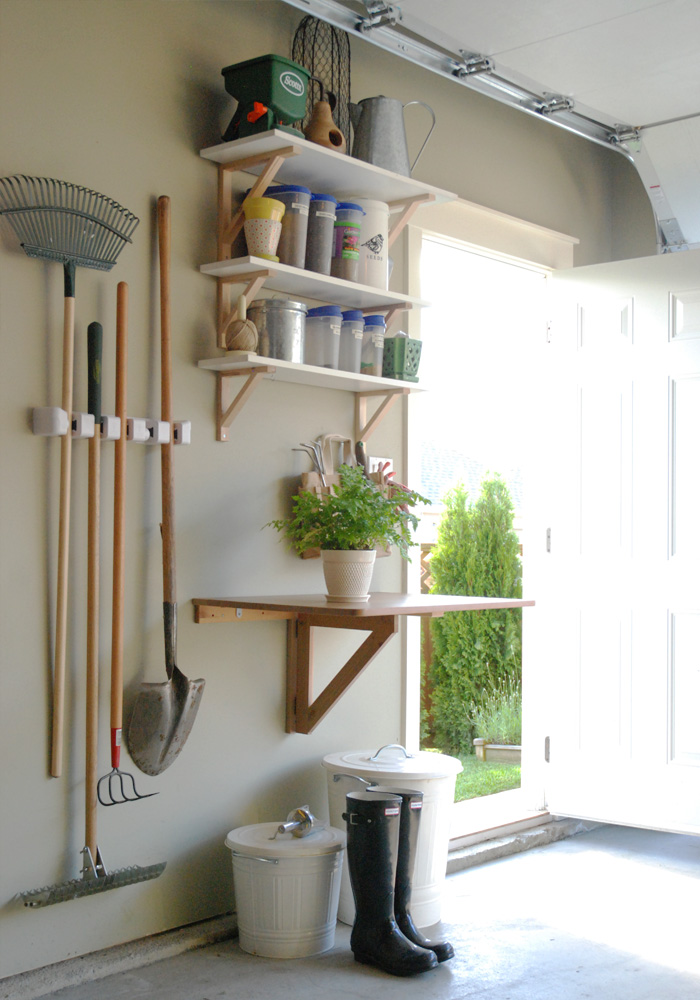 Wall storage for tools