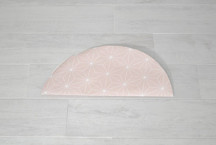 Wallpaper into a lampshade - fold circle againn