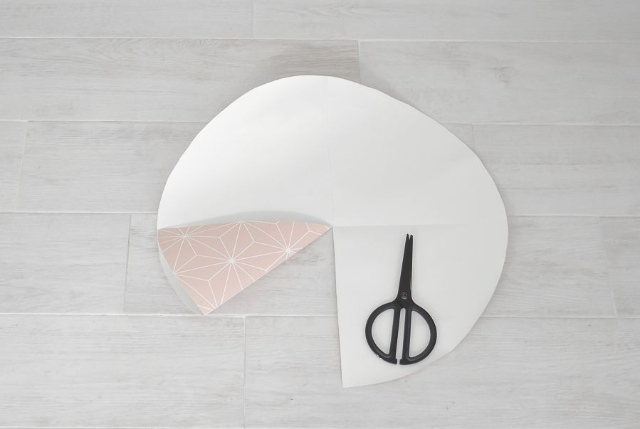 Wallpaper into a lampshade - fold the circle