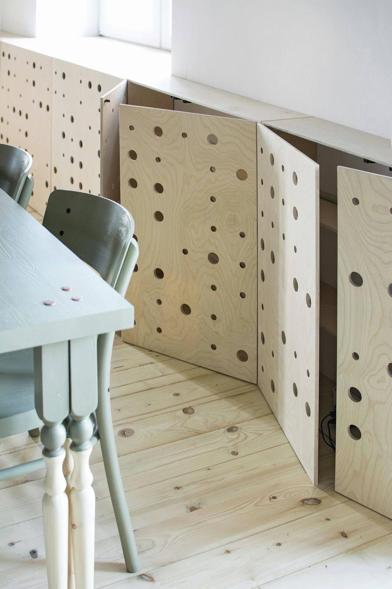 eclectic apartment in St. Petersburg plywood boxes