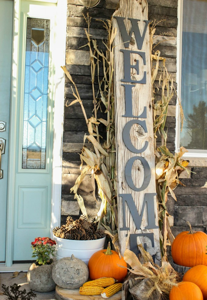10 ideas to outfit your front porch for fall - Fall front porch ideas ...