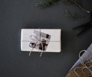 How To Wrap Your Gifts In a Simple and Stylish Way