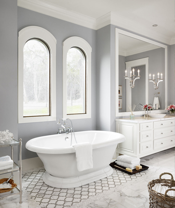 Bathroom with a grey tones