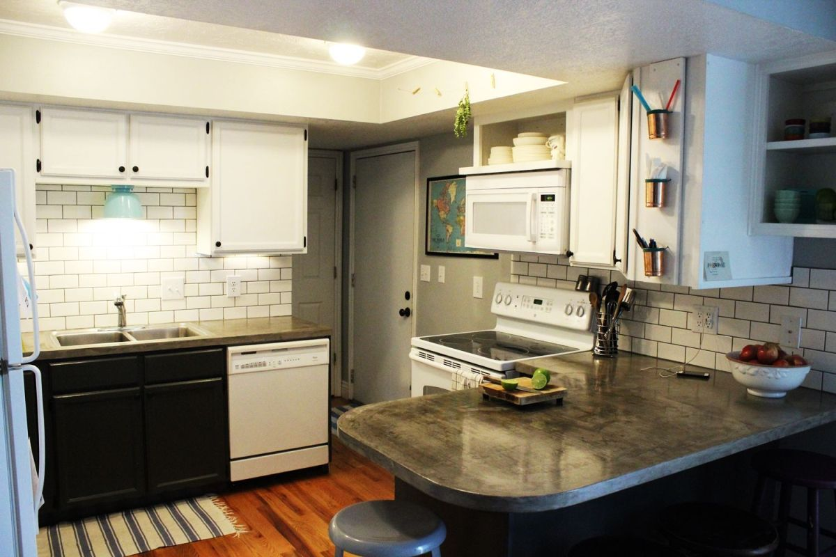 Beautiful subway tile kitchen backsplash