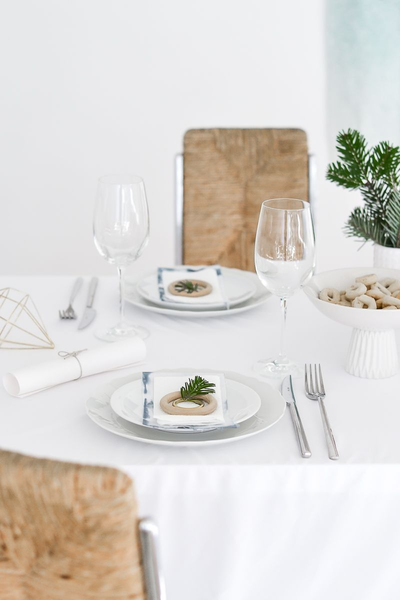 Christmas Table Setting - Vases and serving plates