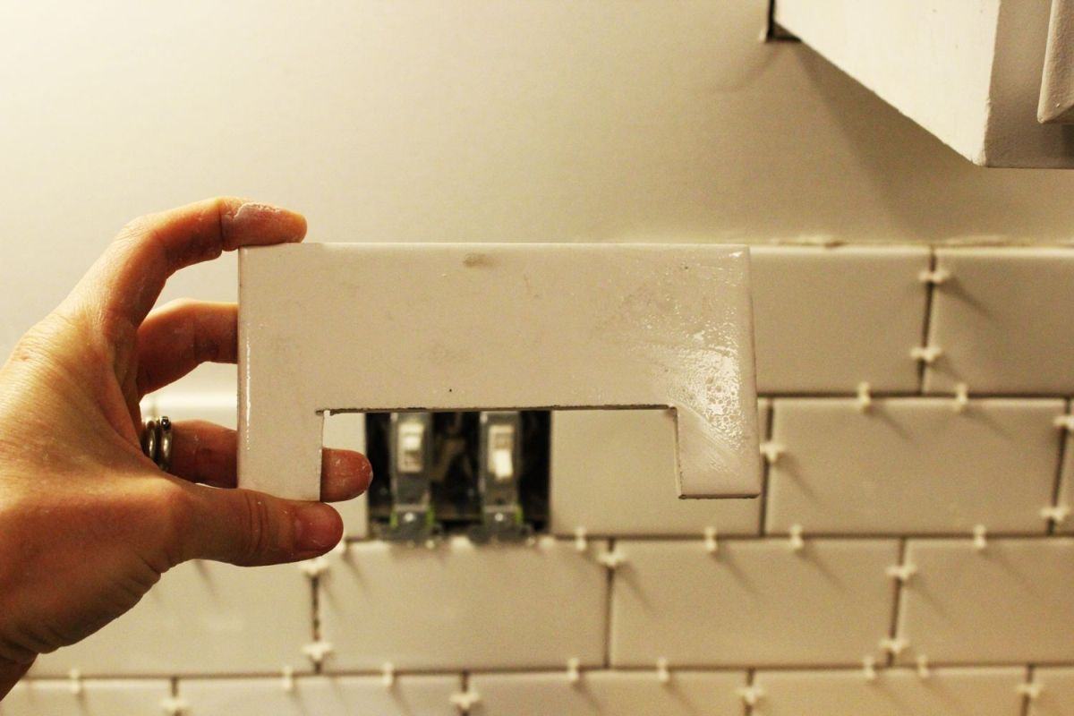 Cut the subway tile on center