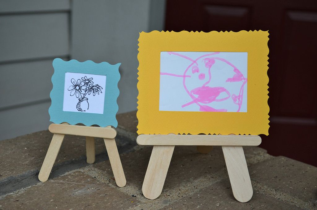 DIY Craft Stick Art Stand