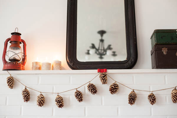 DIY Gold Leaf Pine Cone