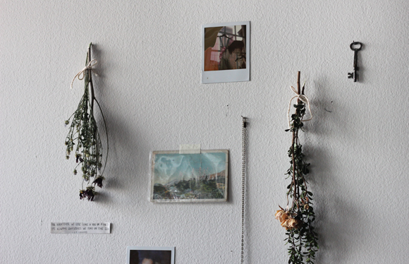Dried flowers wall hanging