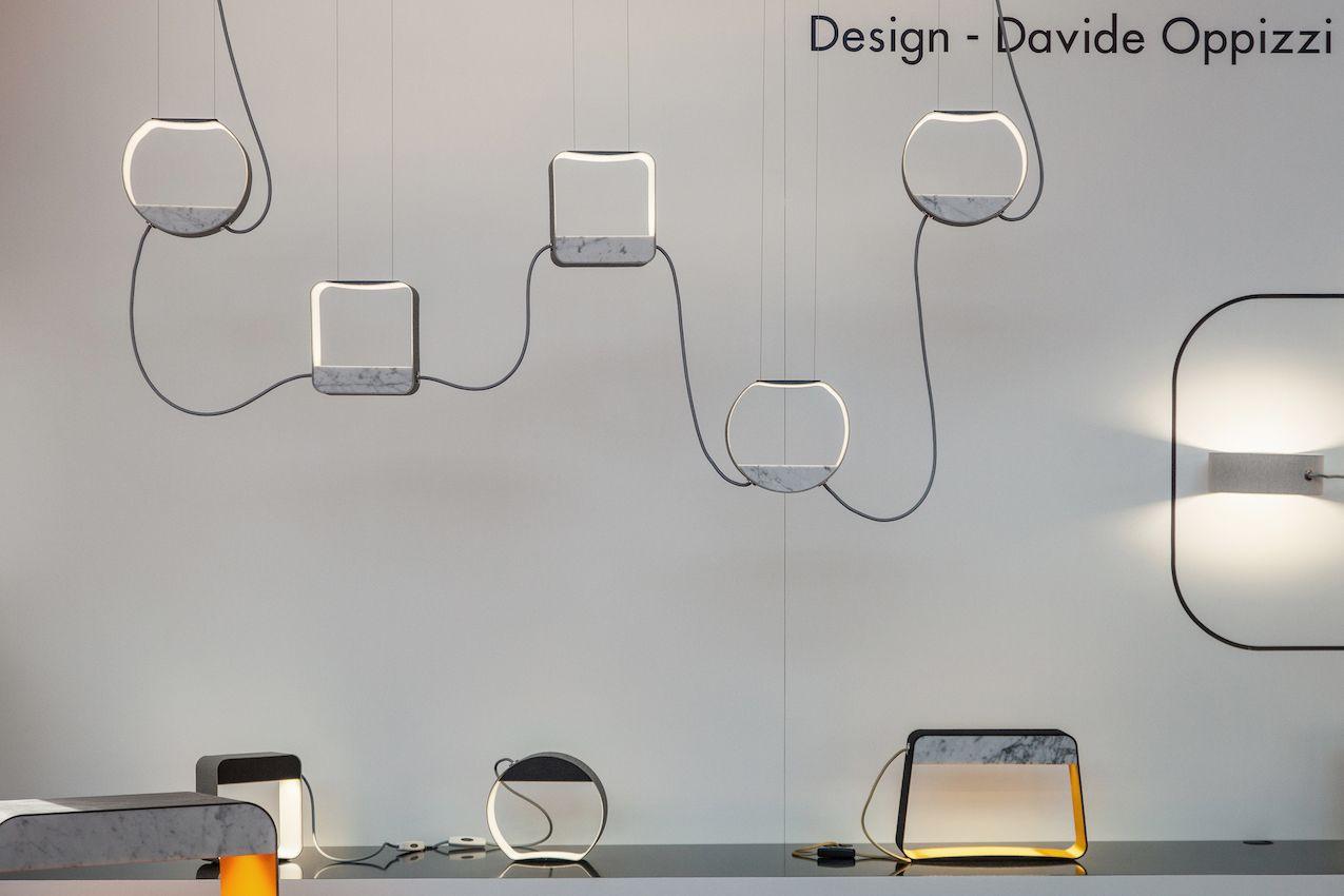 """Designheures """"Eau de Lumière"""" ist eine Hommage an die Welt des Parfums.  Die von Davide Oppizzi entworfene Kollektion soll die ikonische Form der Parfümflasche symbolisieren und mit Volumen und Linien spielen, die das Licht reflektieren."""