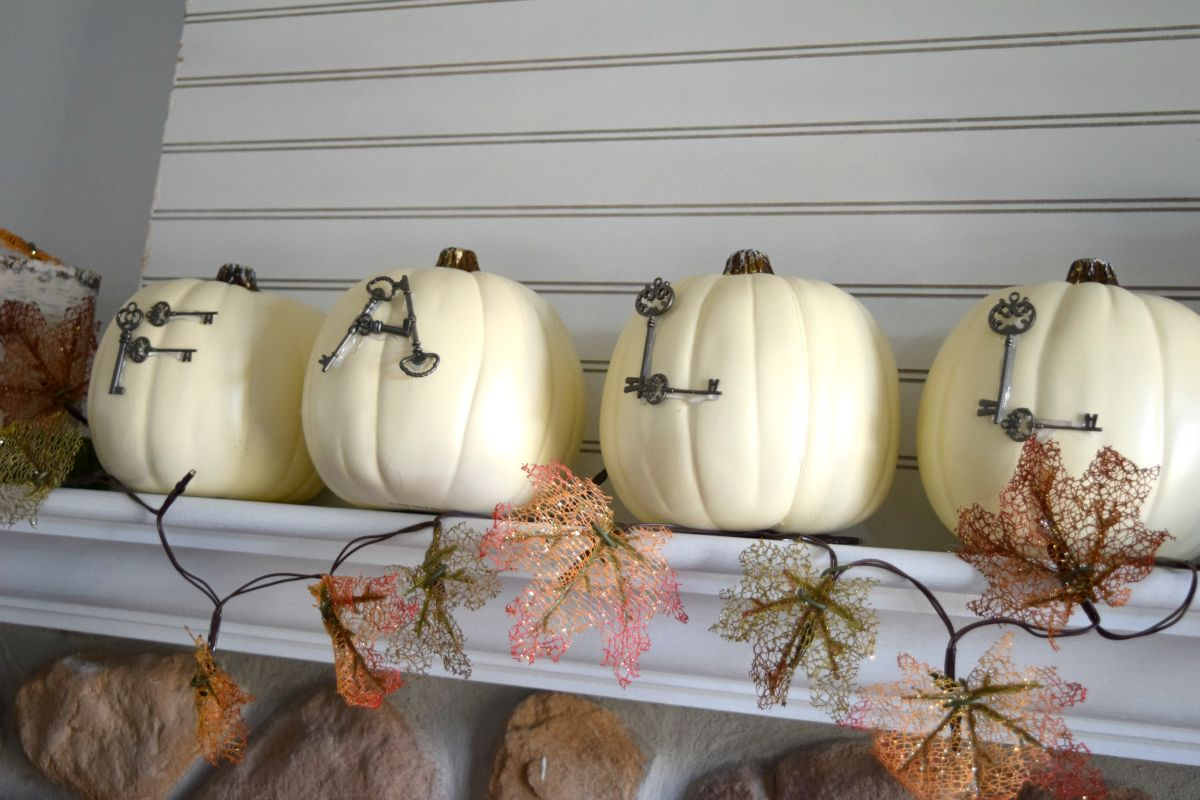 Fall mantel design
