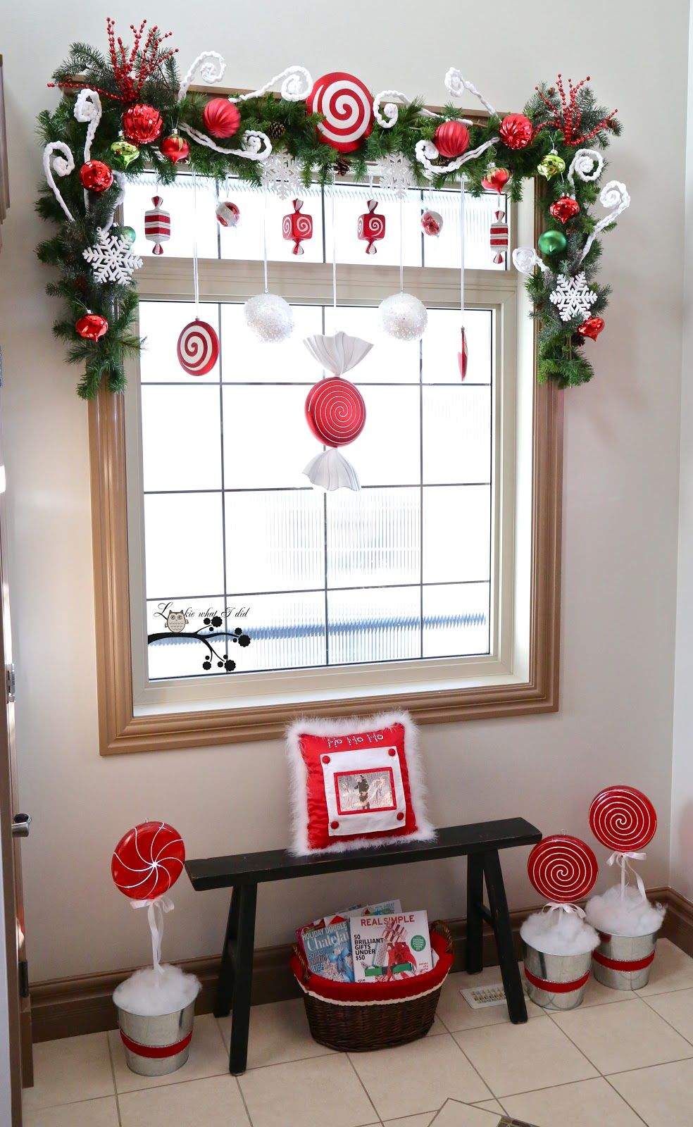 beautiful combination of window decoration for christmas