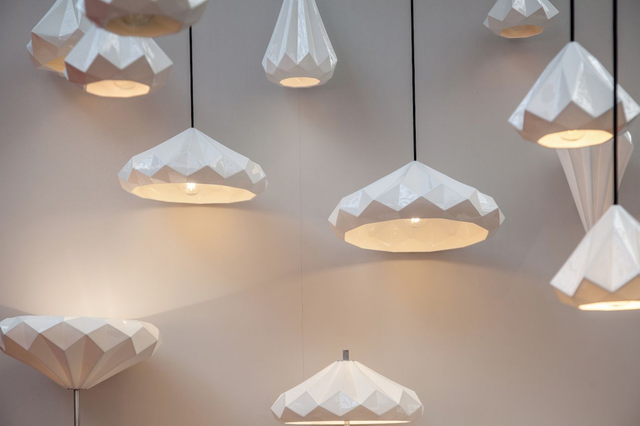 Modern Lighting Fixtures Bring Cur