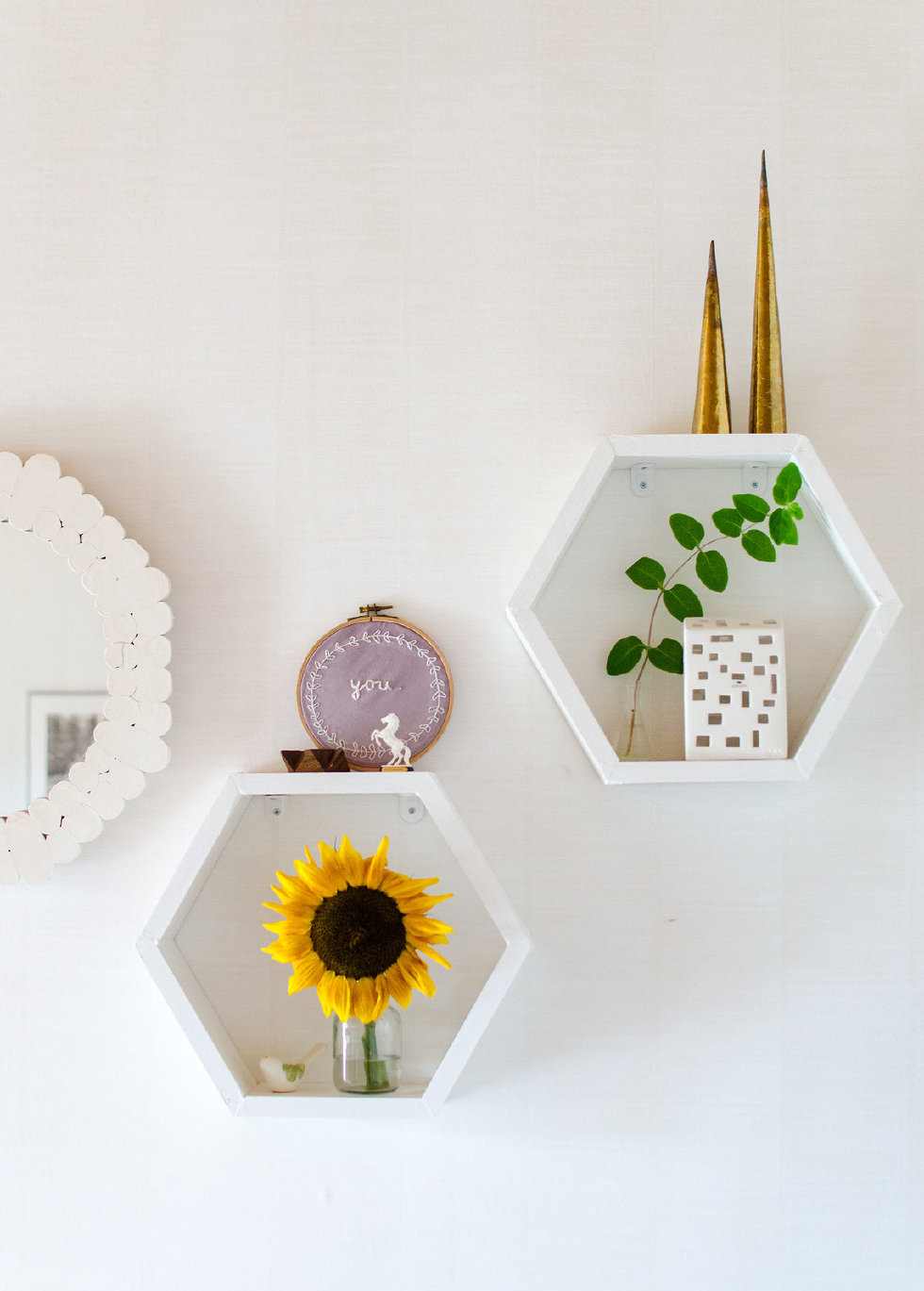 Honeycomb shelves for wall