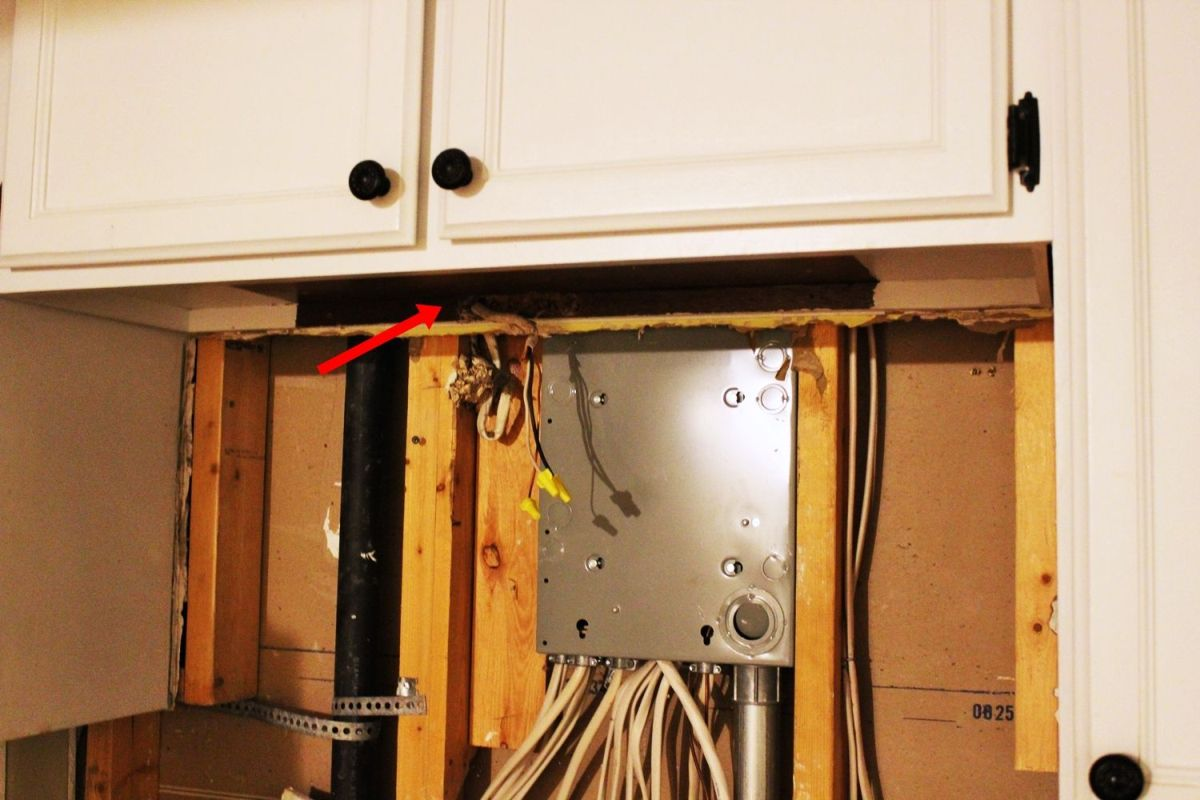 diy kitchen lighting upgrade led under cabinet lights above the rh homedit com Kitchen Island Wiring Code Kitchen Wiring Diagram